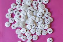 Boutons nylon blanc 4 trous